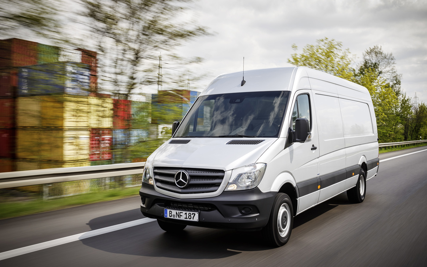 576546e1d9ae09 Mercedes-Benz Vans has been working continually to increase the appeal of  the Sprinter ...